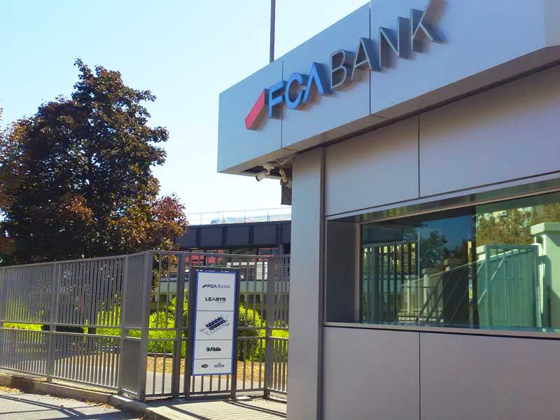 insegne scatolate FCA BANK